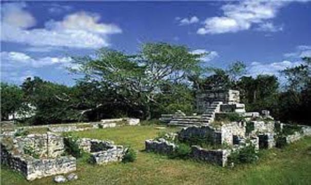 Mayan ruins at Dzibilchaltún
