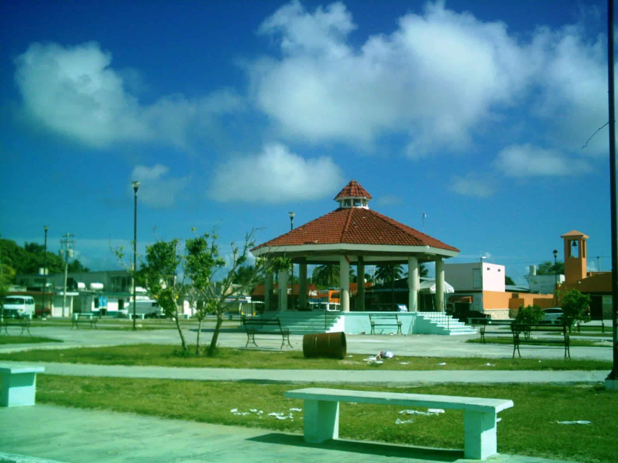 Chuburna town square
