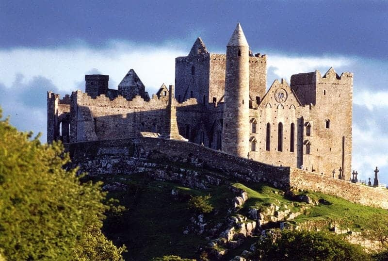 Cashel to Cork - 4 ways to travel via train, taxi, bus, and car