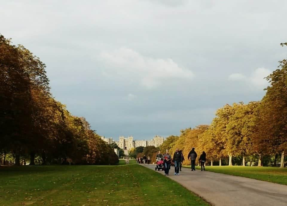 Visiting Windsor Castle - the long walk to the Palace