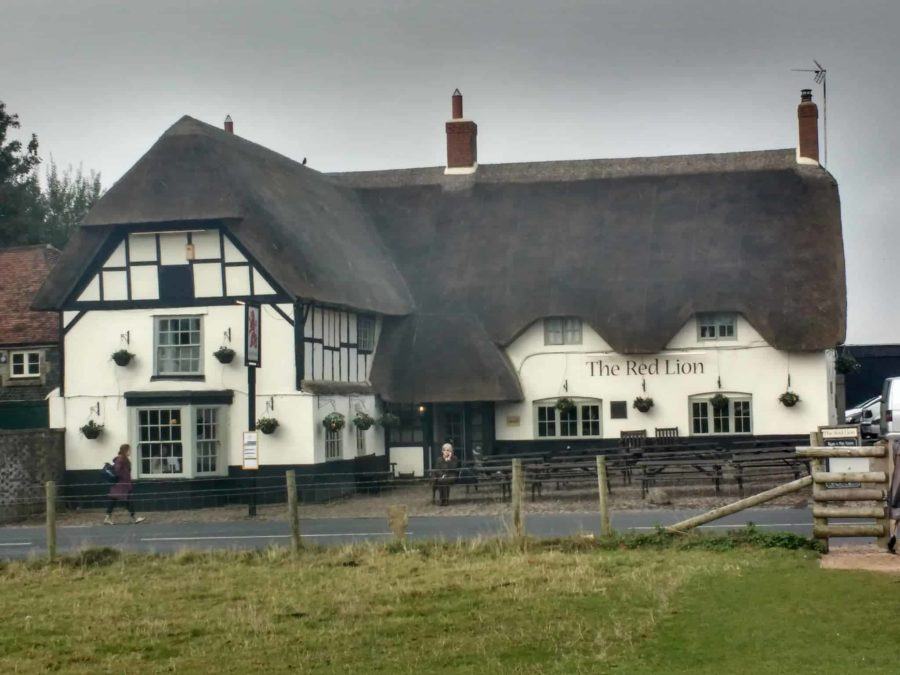The Red Lion a thatched pub near Avebury Henge