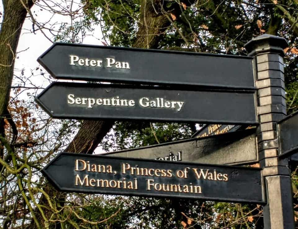 signpost to Peter Pan, the Serpentine Gallery and the Princess of Wales Fountain in Kensington Gardens