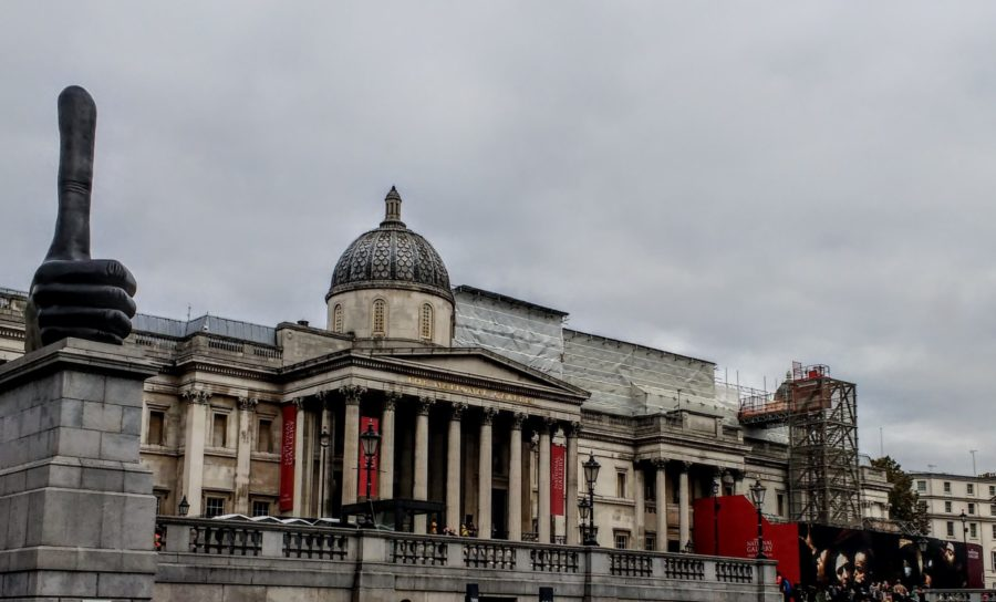 Trafalgar Square Lions with the National Gallery