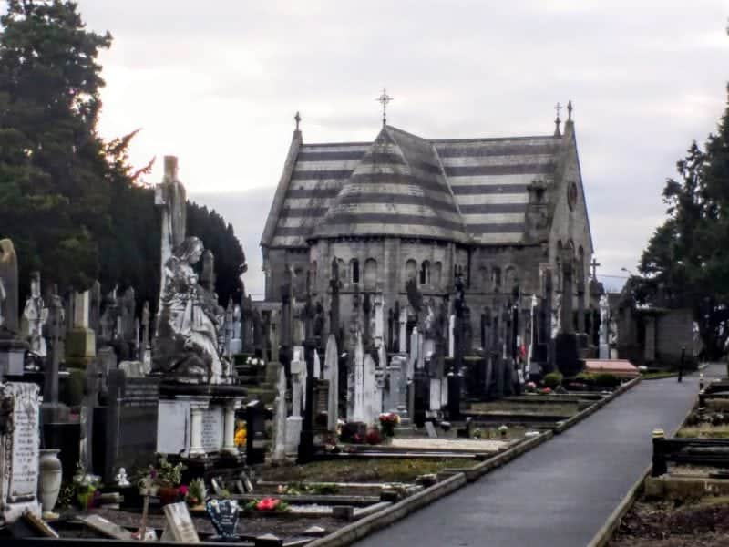 chapel and gravestones in Dublin's Glasnevin Cemetery