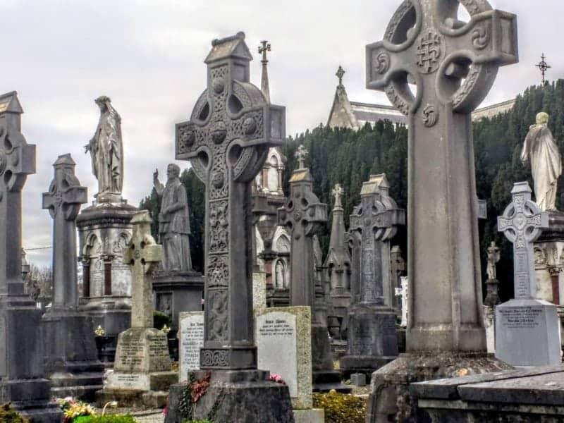 celtic cross tombstones in Dublin's Glasnevin Cemetery