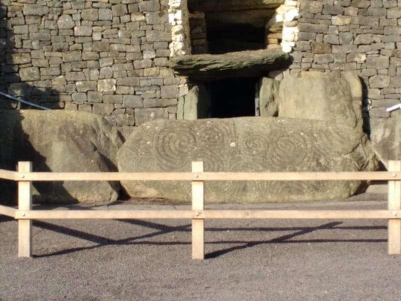 roof box at newgrange