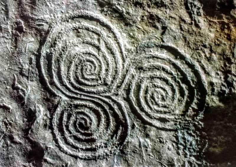 art on the walls of newgrange