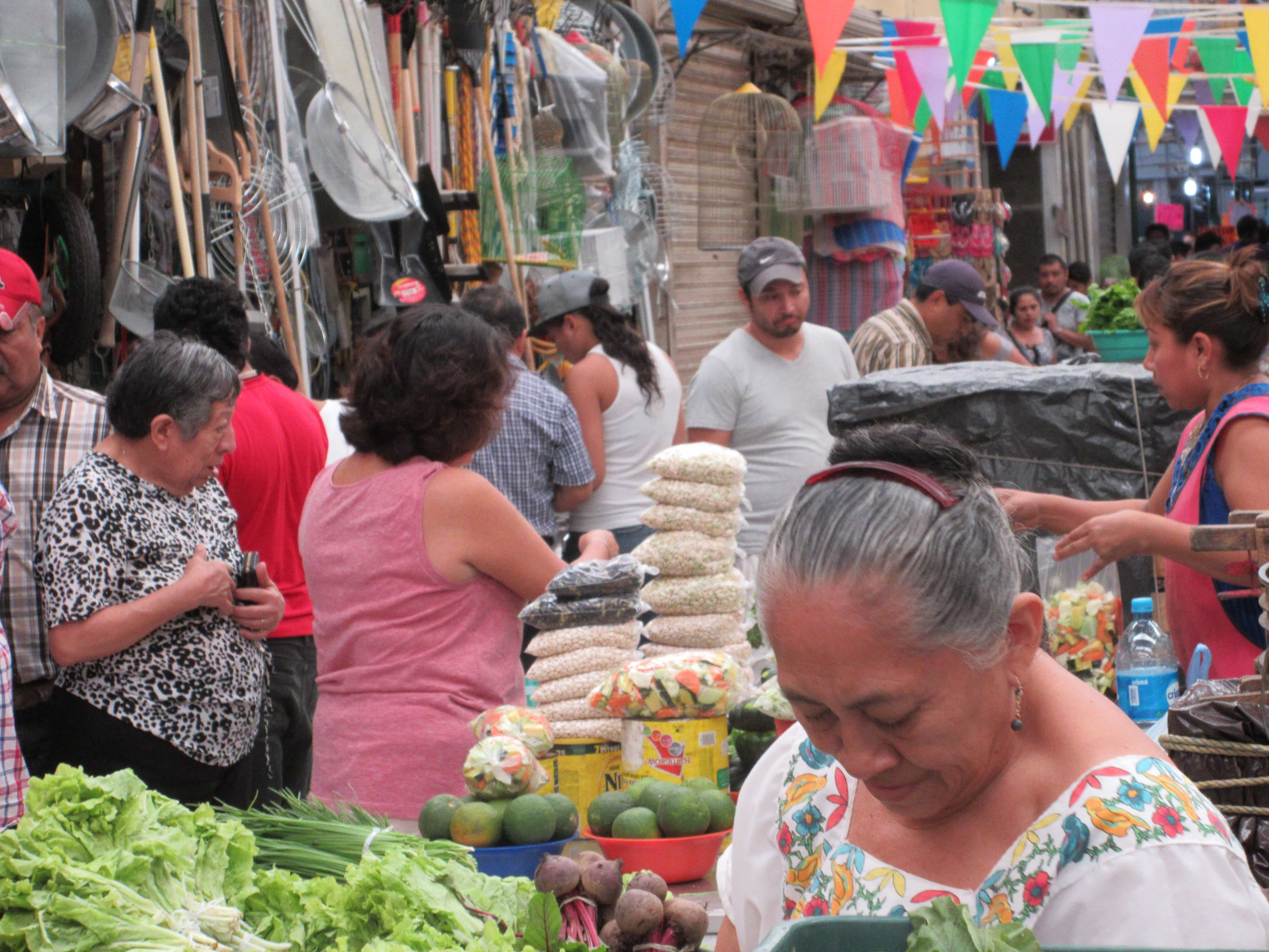 vendors in the Lucas Galvez market in Merida Mexico