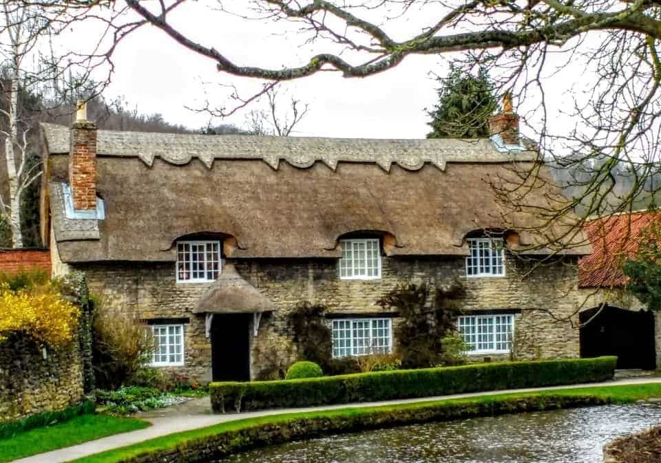 move to the UK and live in rural England in a thatched cottage