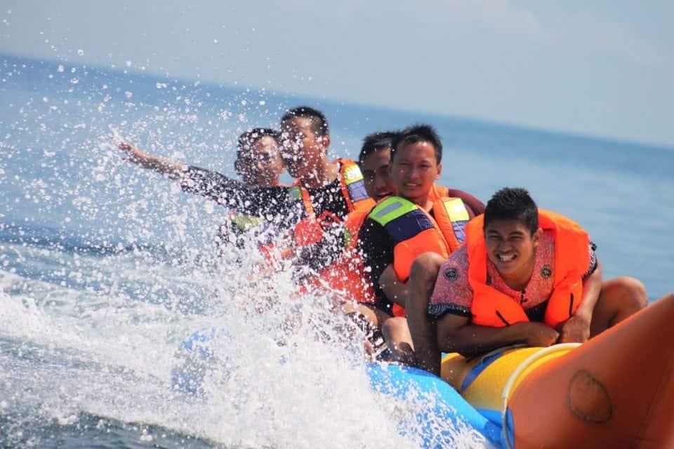 Banana boat travel fail