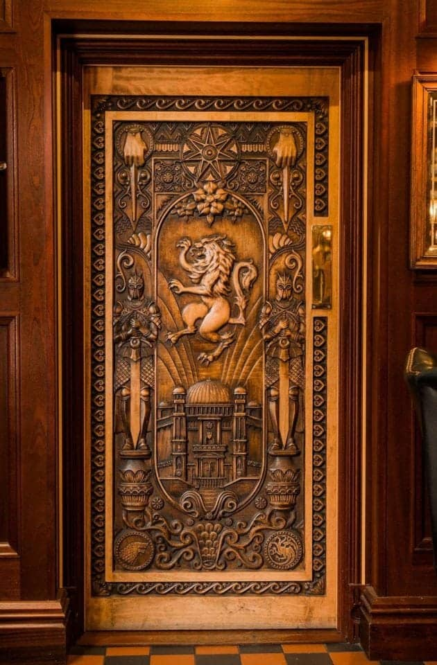 The Game of Thrones Door Tour #9 at the Dark Horse in Belfast featuring the Lannister Lion