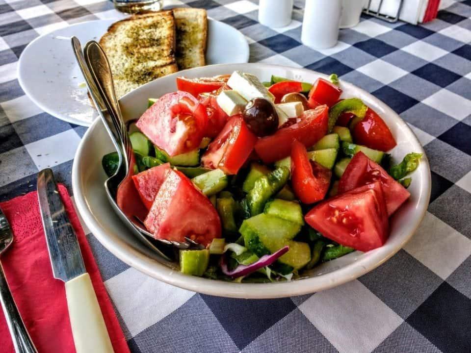 Cypriot halloumi salad