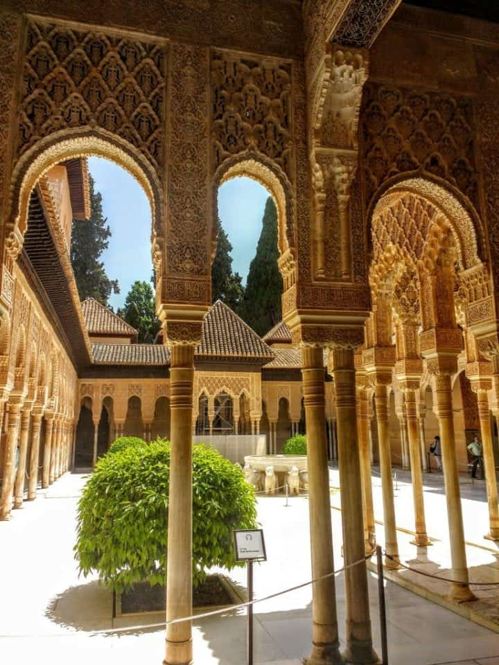 The Outstanding Alhambra Tips On Visiting The Palaces