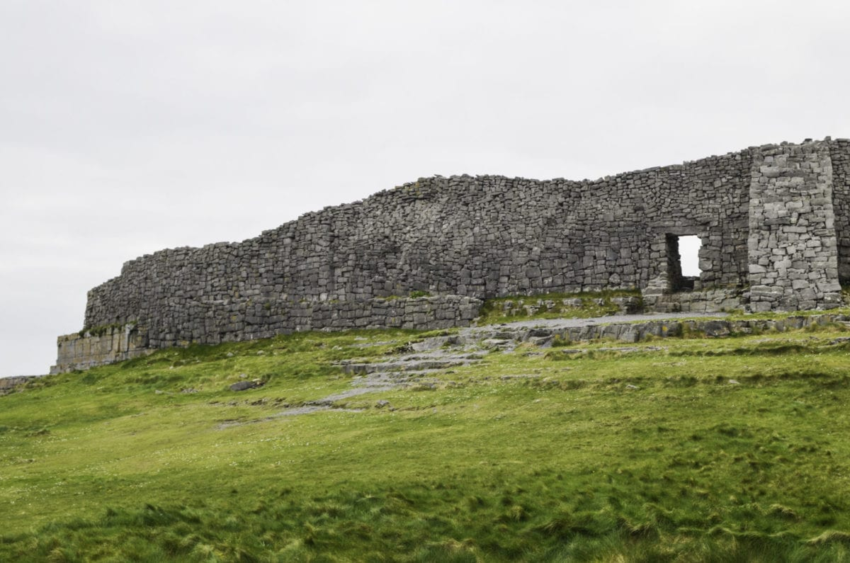 Dun Angua all the best places to see in Ireland this prehistoric fort on Inis Or