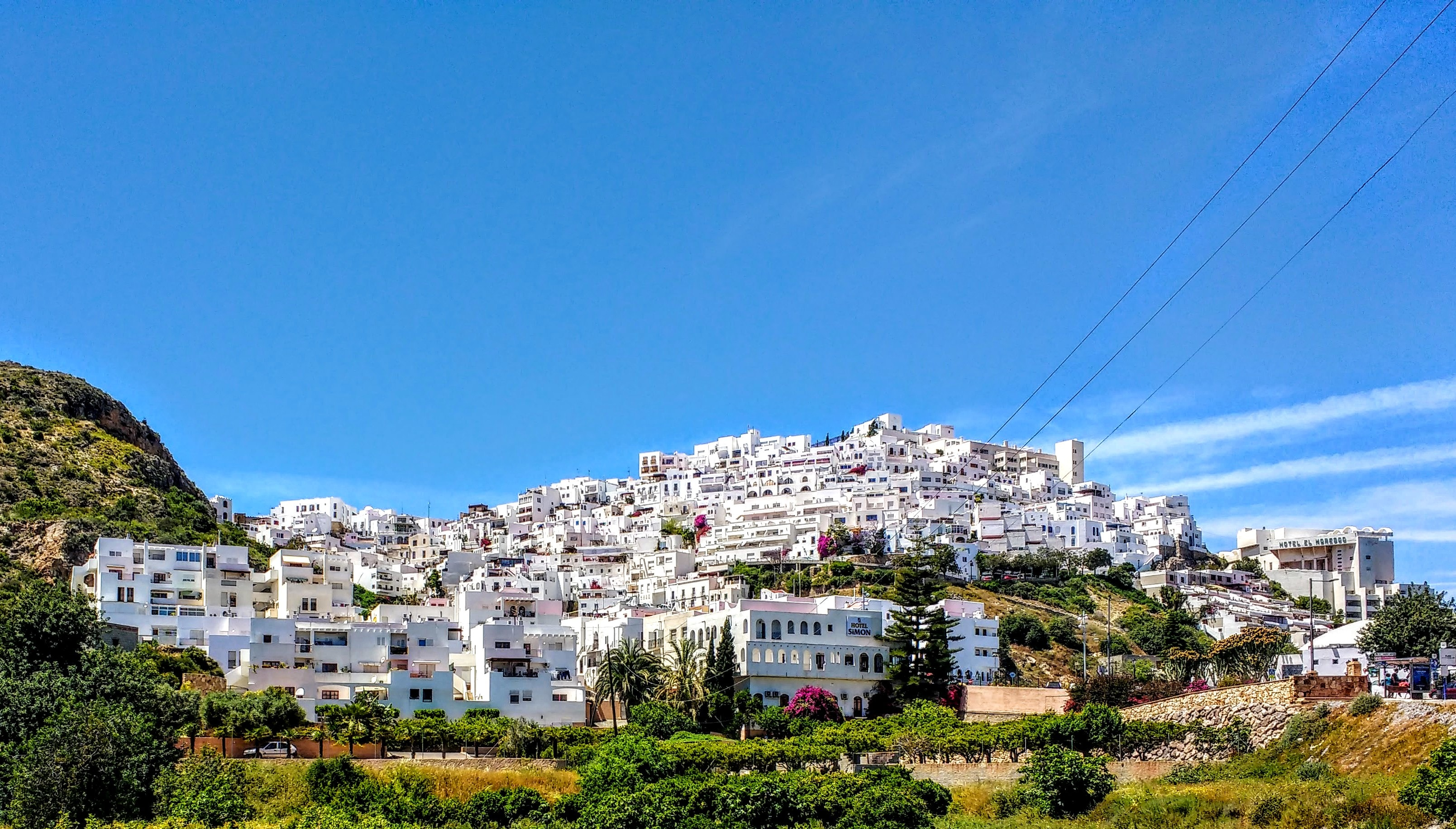 a view of the white town of Mojacer