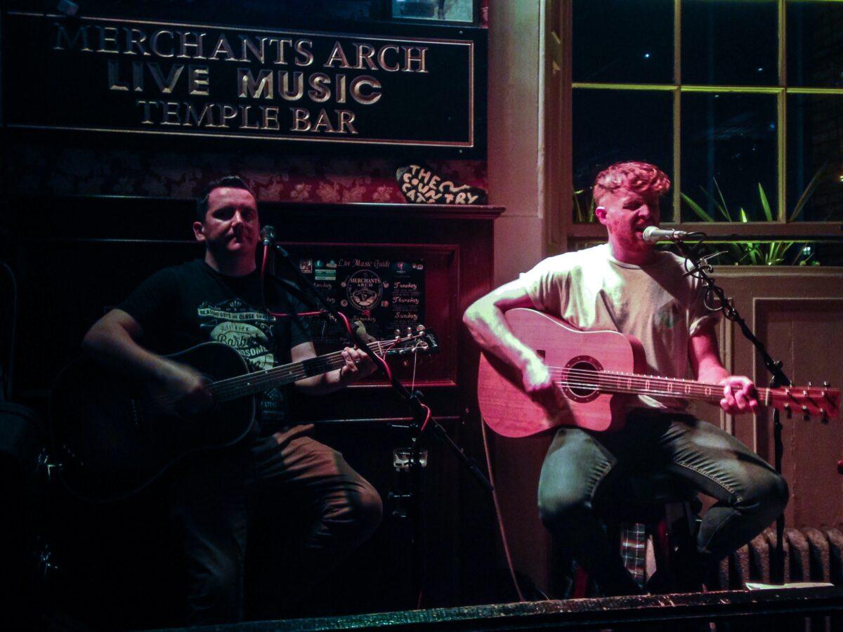 Merchants Arch pub live music Dublin