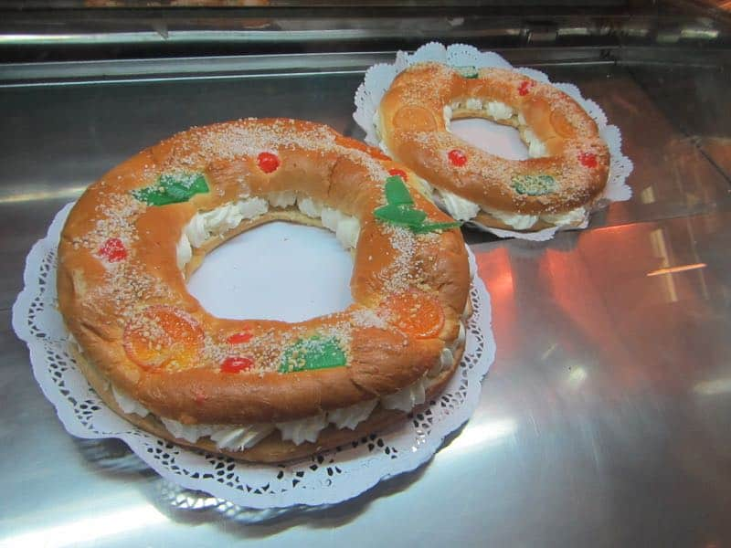 sweet cakes to celebrate Christmas with