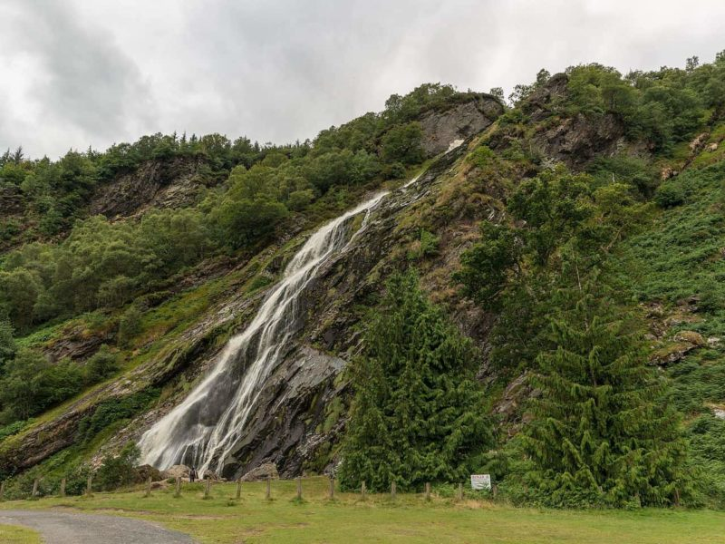 The Powerscourt waterfall is in the scene were Aslaug bathes and first catches Ragnar's eye.