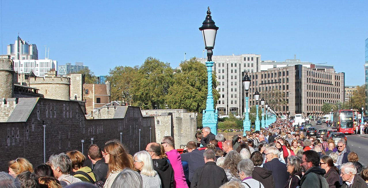 crowds waiting to get inside the Tower of London
