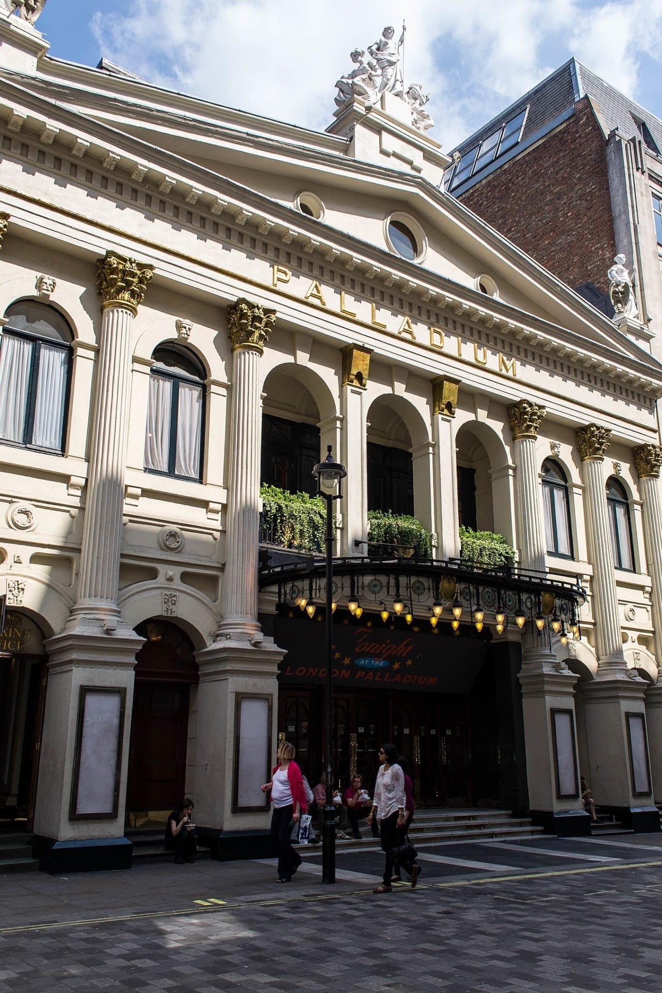 Famous Theatres in London and unique Pub Theatres