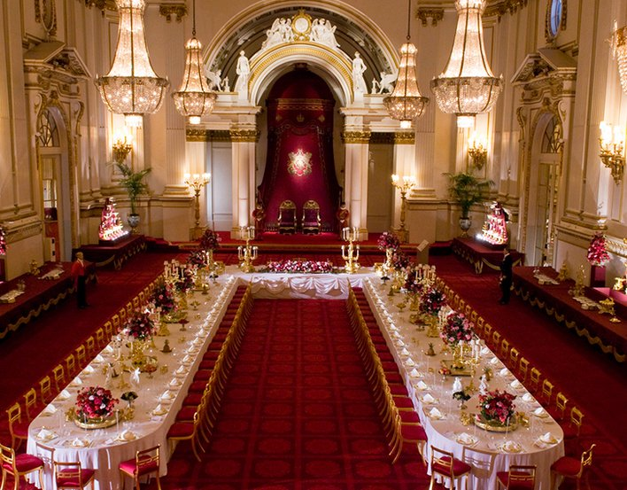 State Dining Room and Banquet Hall in Buckingham Palace