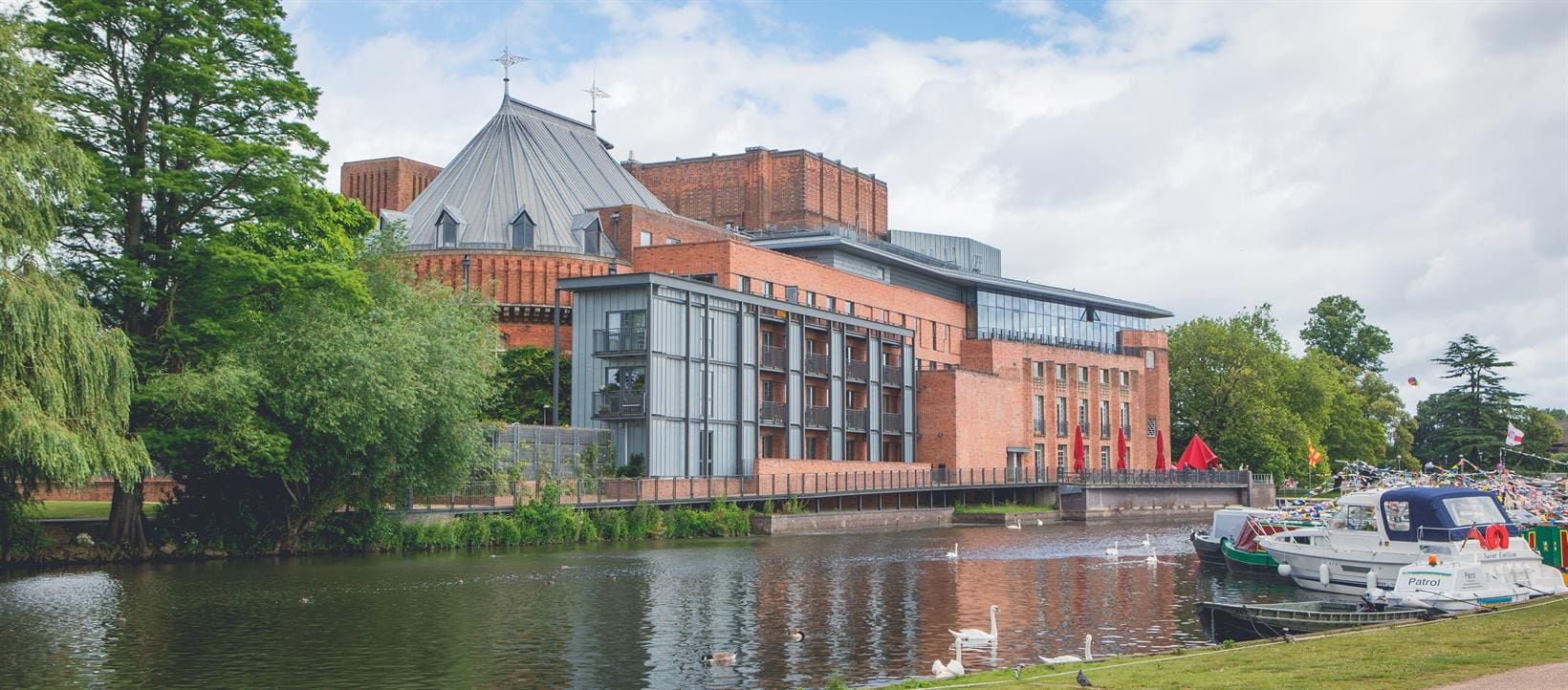 Royal Shakespeare Company theatre Warwickshire Stratford upon Avon