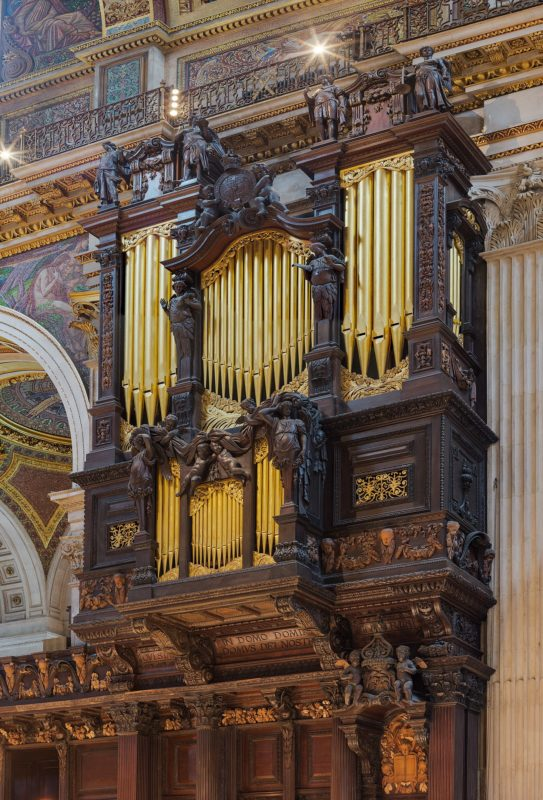 organ in St. Pauls Cathedral