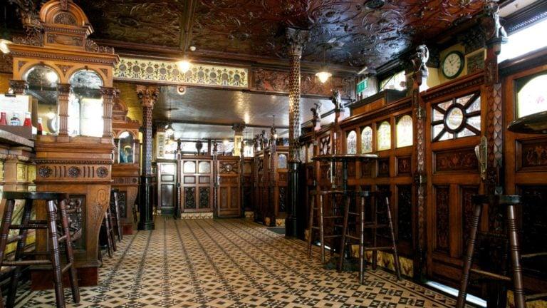 Crown Saloon in Belfast