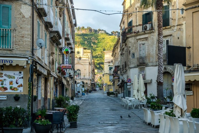 the old cobblestoned streets of Tropea in Calabria